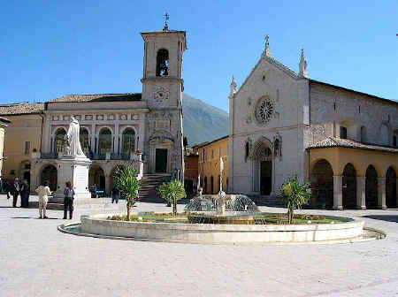 Norcia piazza